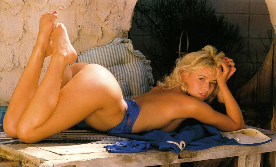 Joanne Dobbin Nude