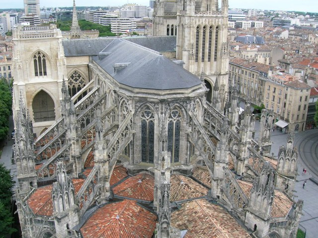 Flying buttresses in action
