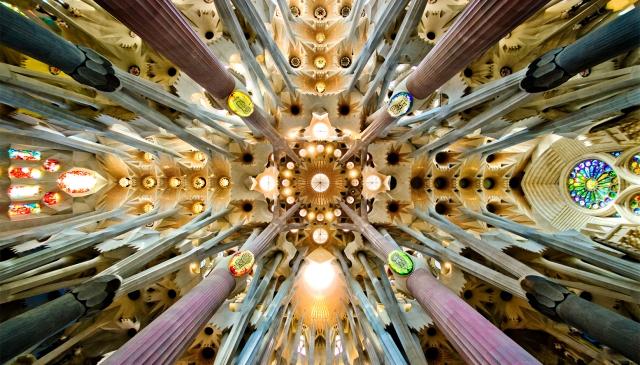 Sagrada_Familia_nave_roof_detail