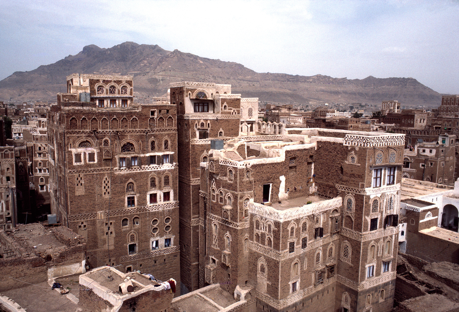 Architecture du jour the yemen tower house uncouth for Architecture yemen