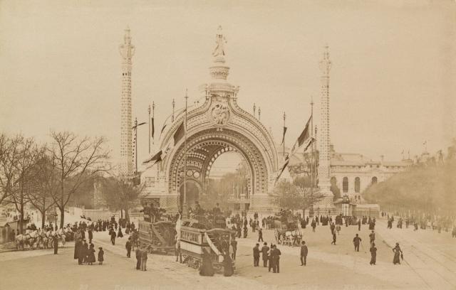 la_porte_monumentale_Exposition_Universelle_1900