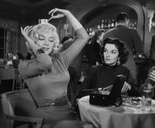 Marilyn-Monroe-and-Jane-Russell-Gentlemen-Prefer-Blondes