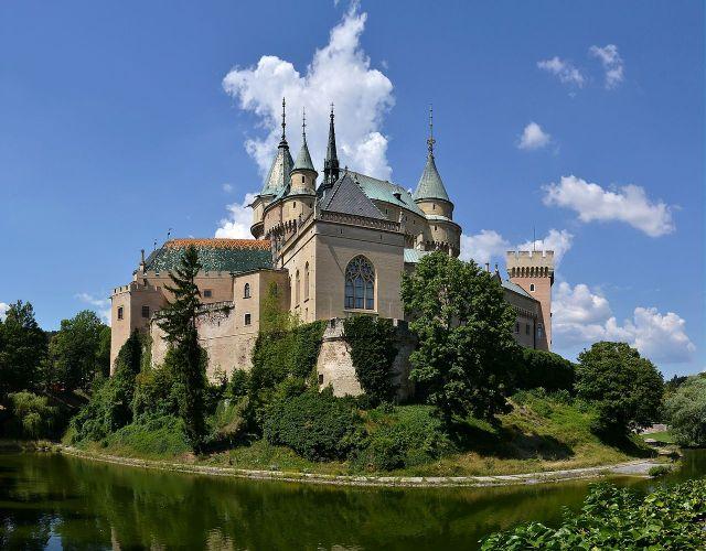 Bojnice_(Bojnitz)_Castle_(by_Pudelek)