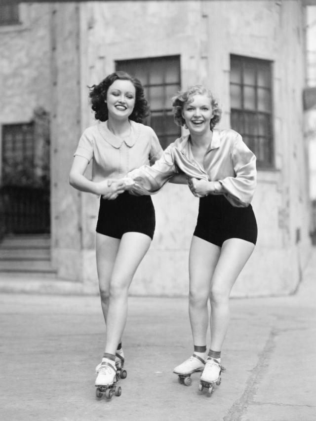 rollerskating1930s
