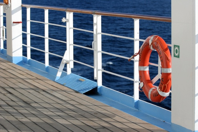 cruise_ship_deck