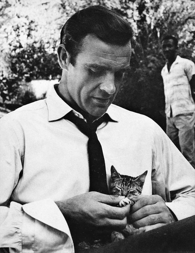 sean-connery-with-cat