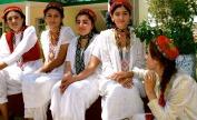 tajik-girls-pamir-highway_med_hr-2